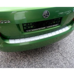 Prah piatych dverí s výstupky, strieborný matný - Škoda Fabia II Limousine, RS Limousine 2007-2014