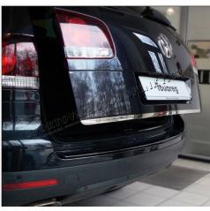 VW Touareg NEREZ chrom spodní lišta 5.dveří - OMSA