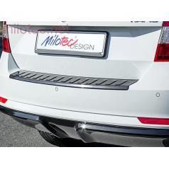 Škoda Rapid Spaceback 2013 - prah piatych dverí s výstupky, ABS-čierna metalíza